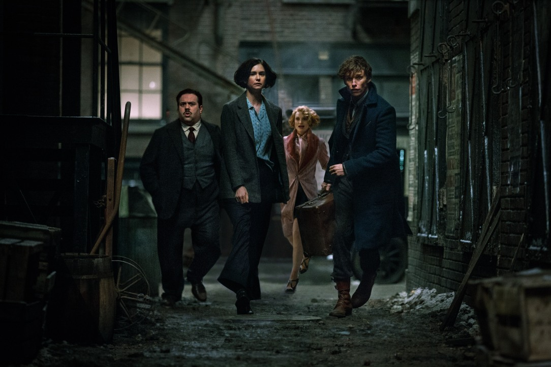 fantastic-beasts-and-where-to-find-them-movie-cast (1).jpg
