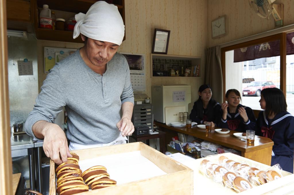 sweet-bean-masatoshi-nagase-2.jpg