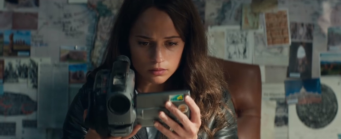Sony-Video-Camera-Used-by-Alicia-Vikander-Lara-Croft-in-Tomb-Raider-1.jpg